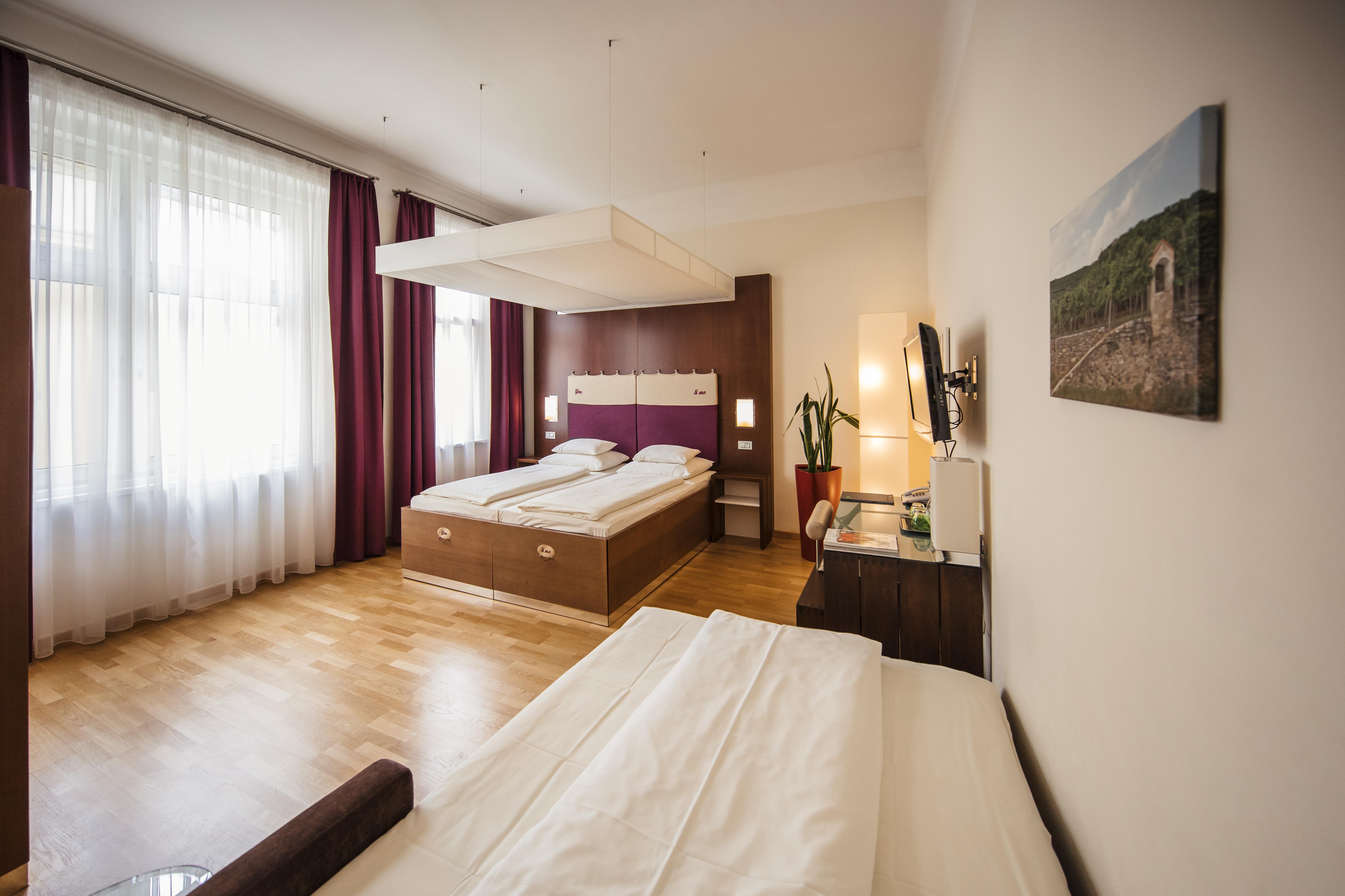 Dreibett-/Familienzimmer - Hotel Rathaus Wien
